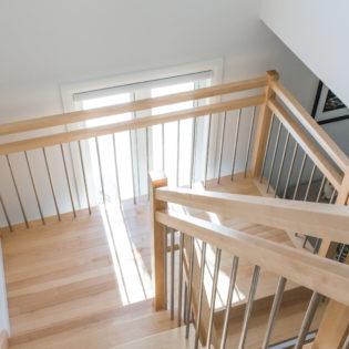 catalogue escalier plancher bois franc. Black Bedroom Furniture Sets. Home Design Ideas