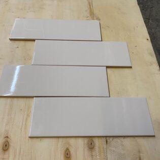 Urban White Glossy 4×12,  2.49$/pc, moins de 1000pc (N19)